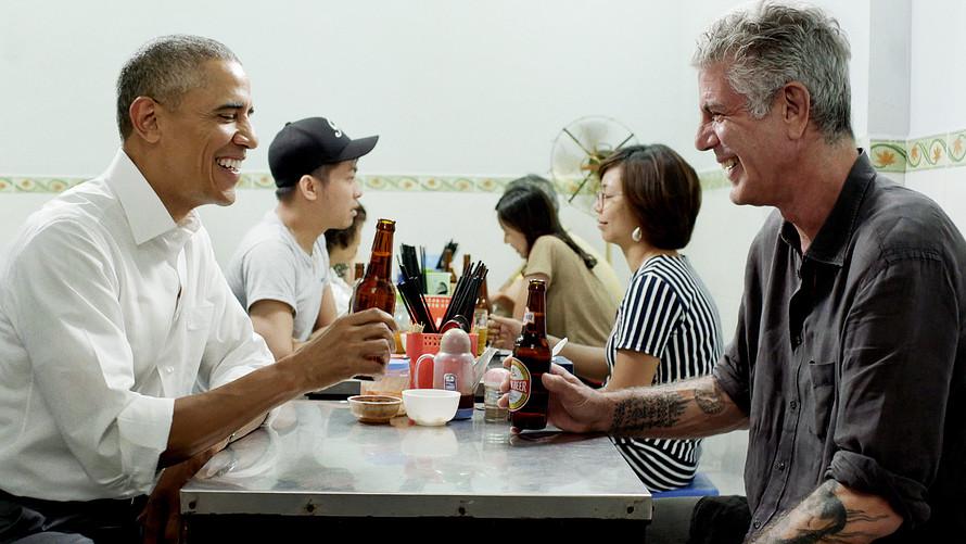 Anthony Bourdain with Barack Obama in Hanoi, Vietnam
